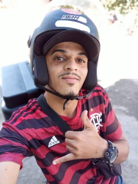 O motoboy Cláudio Júnior Rodrigues de Oliveira já foi acusado de roubo 14 vezes com base em reconhecimento fotográfico falho no Rio de Janeiro - Divulgação