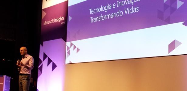 29.set.2015 - Satya Nadella, CEO da Microsoft, fala para estudantes na Universidade Anhembi Morumbi, em São Paulo