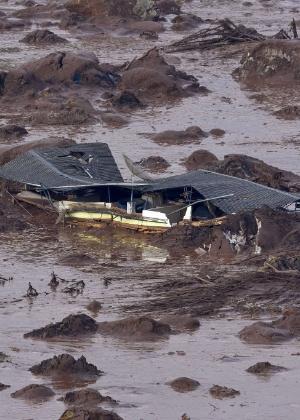 Subdistrito de Bento Rodrigues destruído pelo rompimento da barragem de Fundão - Douglas Magno/AFP