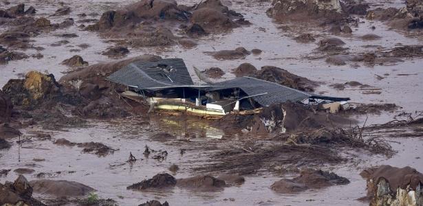 O subdistrito de Bento Rodrigues, em Mariana, foi destruído pela lama da barragem de Fundão