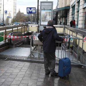 Bruxelas, cidade-fantasma: prefeito manda cafés e restaurantes fecharem às 18h em pleno sábado - Youssef Boudlal/Reuters