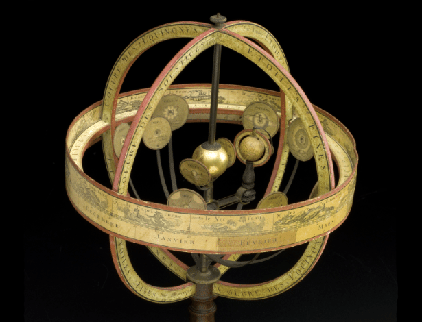 21.jan.2016 - Sistema Copérnico -  Com o Sol ao centro, este modelo demonstra a visão de Nicolau Copérnico do cosmos. Este modelo é do início de 1800