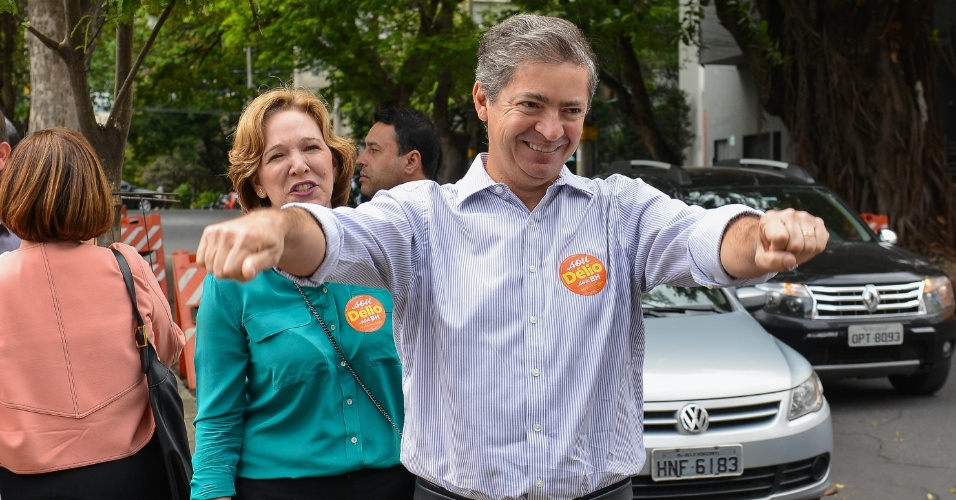 2.out.2016 - O candidato à prefeitura de Belo Horizonte Délio Malheiros (PSD) votou na Escola Estadual Governador Milton Campos