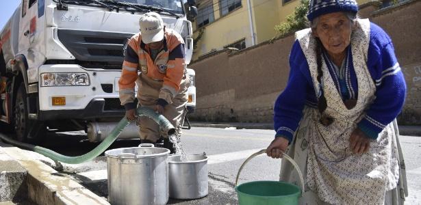 Idosos são um dos grupos mais vulneráveis à crise hídrica que atinge La Paz