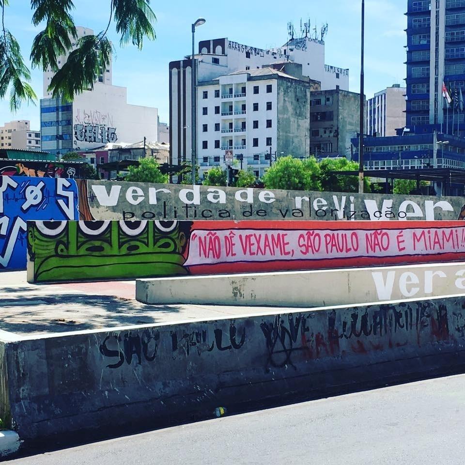 Grafite feito por Mundano, no Largo da Batata, em São Paulo (SP)
