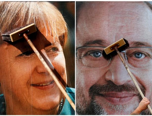 Combinação de imagens mostra trabalhador colando posters das candidaturas de Angela Merkel e Martin Schulz em Berlim - Fabrizio Bensch/Reuters