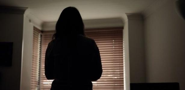 """Vítima diz que sentia """"medo e paranóia"""" por conta das mentiras que seu ex-namorado espalhou - BBC"""