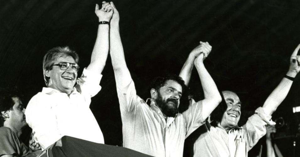 Mário Covas, Lula e Leonel Brizola participam de comício na Candelária, no Rio de Janeiro, na campanha eleitoral para presidente em 1989