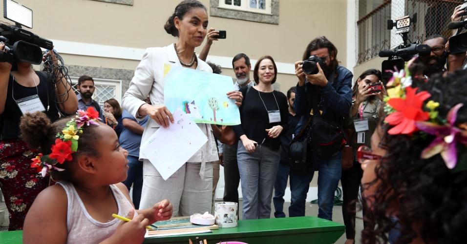 11.set.2018 - A candidata da Rede à presidência da República, Marina Silva, acompanhado por seu vice, Eduardo Jorge, esteve na Associação Saúde Criança em Botafogo, zona sul do Rio, na tarde desta terça-feira, 11, durante ato de campanha na cidade