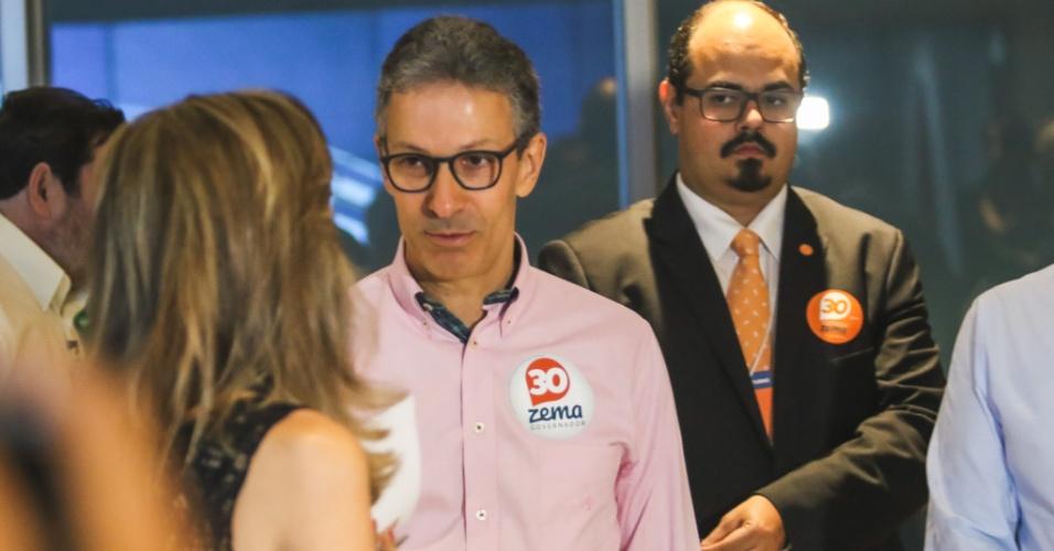 25.out.2018 - Romeu Zema, candidato ao governo de Minas Gerais, em debate na Rede Globo - MG, na região noroeste, na cidade de Belo Horizonte, nesta quinta-feira