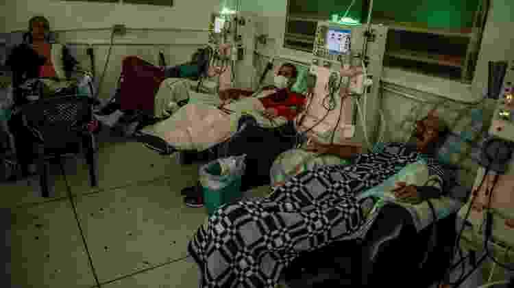 Pacientes venezuelanos passam por diálise em San Cristóbal, Venezuela - Meridith Kohut/The New York Times - Meridith Kohut/The New York Times