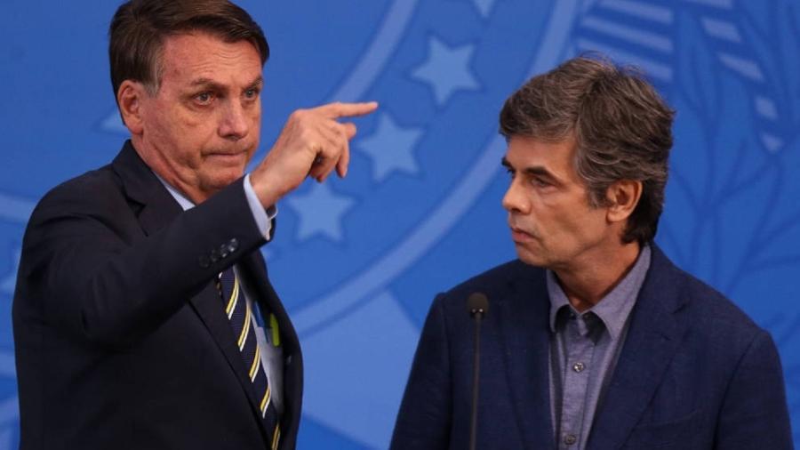 Jair Bolsonaro e o novo ministro da Saúde, Nelson Teich - Pedro Ladeira/Folhapress