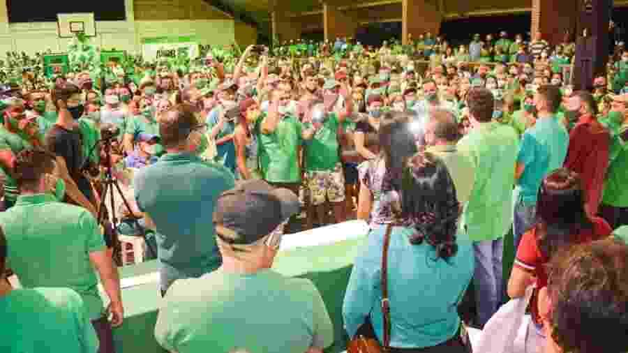 Convenção do MDB em Santo Antônio (RN), lotada, em ginásio fechado e sem distanciamento - Reprodução/Twitter