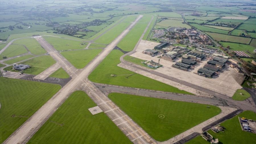 Vista aérea do campo de aviação de Yeovilton, da Real Força Aérea da Inglaterra - David Goddard/Getty Images