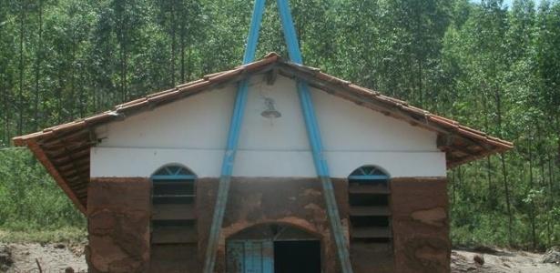 Igreja de Nossa Senhora Aparecida, no povoado de Ponte do Gama, em Mariana (MG), perdeu todos os móveis e imagens com a enxurrada de lama - Associação Comunitária de Moradores e Amigos de Ponte do Gama