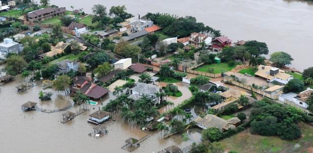 7.jun.2017 - Enchente na Região das Ilhas do rio Guaíba, em Porto Alegre, nesta quarta