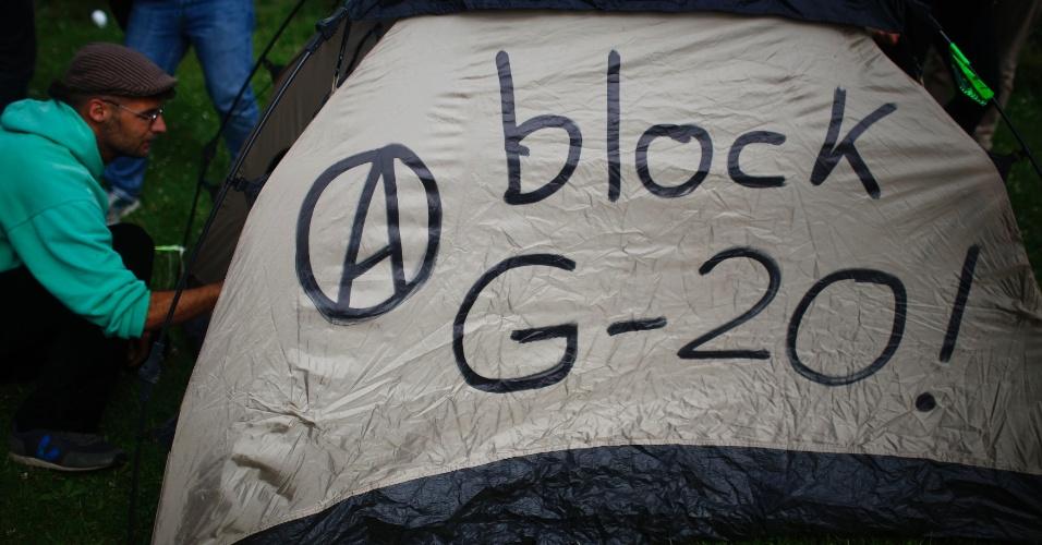 4.jul.2017 - Ativistas acampam em protesto contra a cúpula do G20 em Hamburgo, na Alemanha