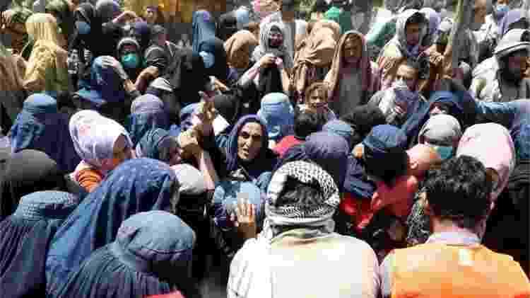 Milhares de pessoas estão em campos improvisados em Cabul depois de fugir da ofensiva do Talebã - Reuters - Reuters