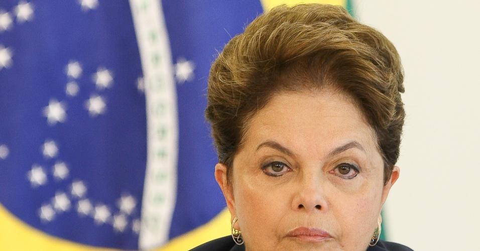 13.dez.2011 - A presidente Dilma Rousseff participa de encontro com reitores das universidades federais
