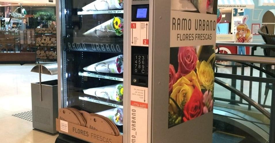 Máquina da Ramo Urbano, que vende flores em máquinas automáticas, como as de refrigerantes