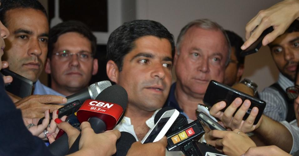 2.out.2016 - ACM Neto (DEM) participa de entrevistas e comemora sua reeleição à Prefeitura de Salvador (BA). Ele venceu no primeiro turno com uma larga vantagem em relação à segunda colocada, Alice Portugal (PCdoB), 57