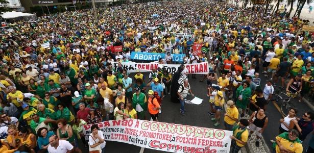 Protesto contra mudanças no pacote anticorrupção e a favor da Lava Jato, neste domingo, no Rio