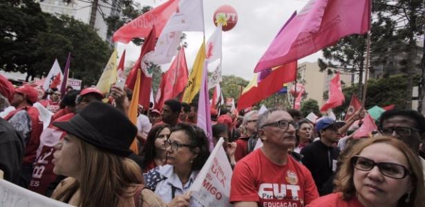 Apoiadores de Lula em Curitiba: sem menção a 2018