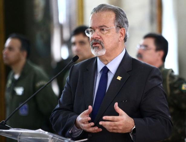 O ministro da Defesa Raul Jungmann detalha operação das Forças Armadas no Rio de Janeiro