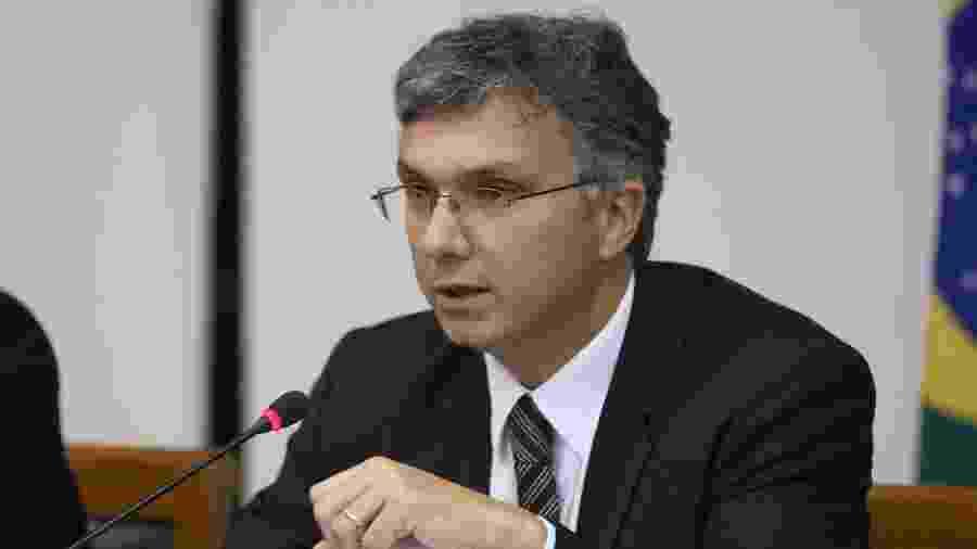 Esteves Colnago, assessor do ministro da Economia, Paulo Guedes - Por Ricardo Brito e Marcela Ayres