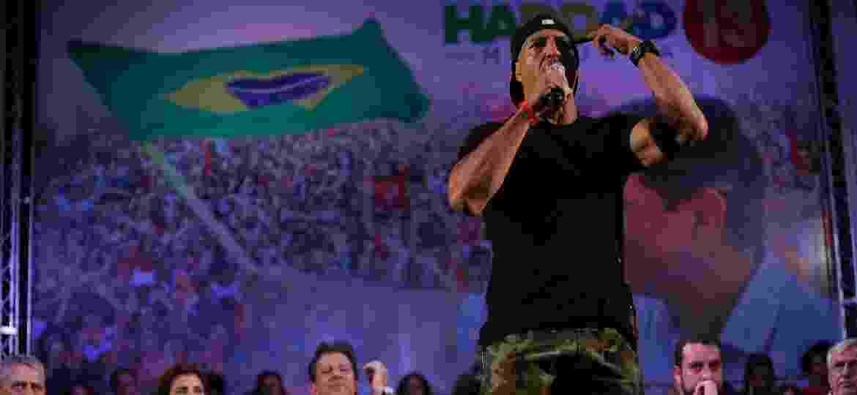 O rapper Mano Brown fez críticas ao PT em evento ao lado de Haddad - Wilton Júnior/Estadão Conteúdo