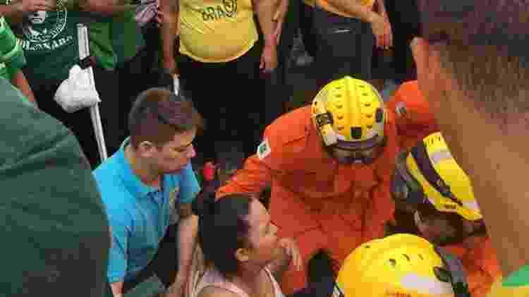 Mulher passa mal durante cerimônia de posse de Bolsonaro - Hanrrikson de Andrade/UOL