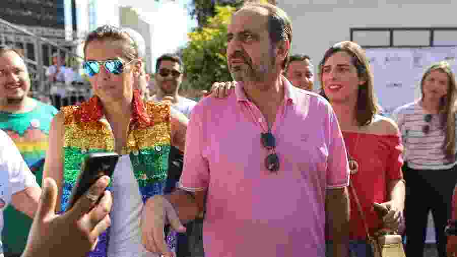 1Alexandre Kalil participou da 22ª Parada do Orgulho LGBT de BH no domingo - FLÁVIO TAVARES/O TEMPO/ESTADÃO CONTEÚDO