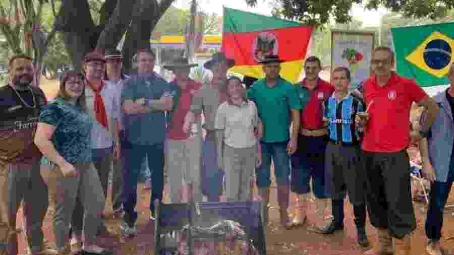 Bolsonaro e outros presentes estavam sem máscara, cujo uso é obrigatório no DF - Reprodução/Twitter