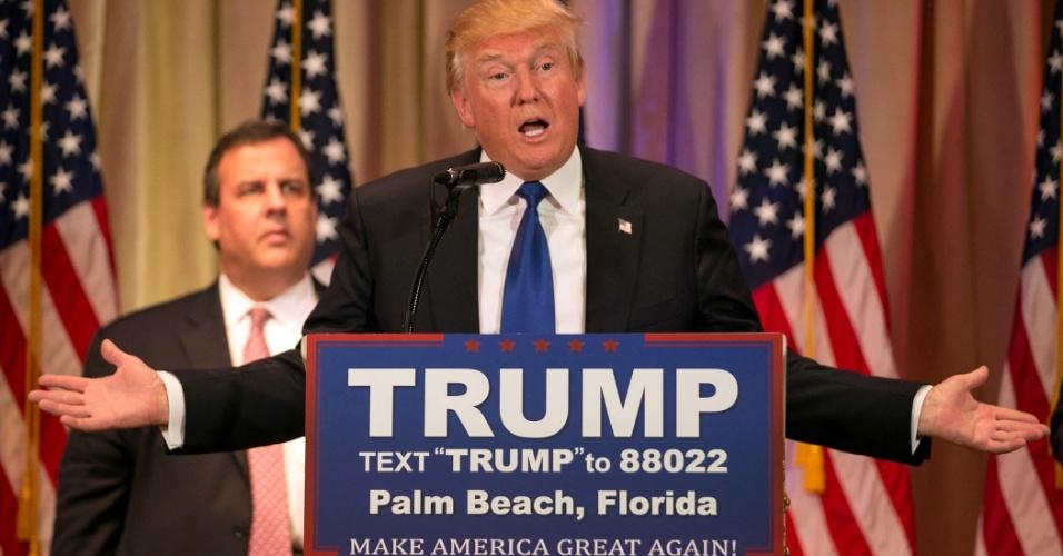 """2.mar.2016 - O magnata do ramo imobiliário e pré-candidato republicano à Presidência dos EUA, Donald Trump, foi o grande vitorioso do partido na chamada Superterça (1º). Diante de seus apoiadores em Palm Beach, na Flórida, Trump classificou a noite como """"incrível"""" e disse que """"fazer a América grande de novo"""""""