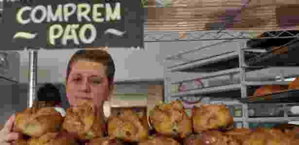 Beth Viveiros, dona da Beth Bakery, na Vila Mariana, na zona sul de São Paulo, produz pães, bolos e cookies caseiros - Reinaldo Canato /UOL - Reinaldo Canato /UOL