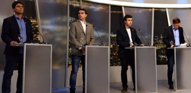 """Candidatos a prefeito do Rio participam de debate promovido pela """"TV Record"""", na noite de domingo (25) - Marcello Dias/Futura Press/Estadão Conteúdo"""