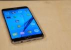 Gosta de tela e bateria gigantes? Então o Galaxy A9 é uma boa opção (Foto: Felipe Vita/UOL)