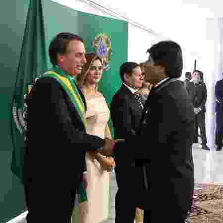 1º.jan.2019 - Presidente Jair Bolsonaro toma posse e recebe os cumprimentos de Evo Morales - Marcos Corrêa/PR