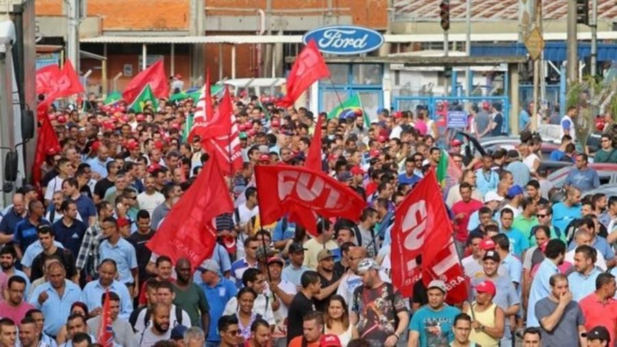 Trabalhadores da Ford iniciaram uma paralisação depois do anúncio de fechamento da fábrica de São Bernardo do Campo - Adonis Guerra/SMABC/Divulgação
