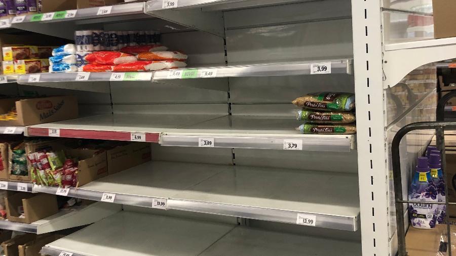Prateleira de arroz vazia no supermercado Dia, em São Paulo - Lucas Borges Teixeira/UOL