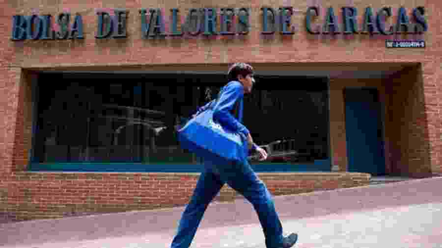 """A Bolsa de Valores Caracas """"renasceu"""" nos últimos meses, sinal de uma certa abertura da economia do país - AFP"""