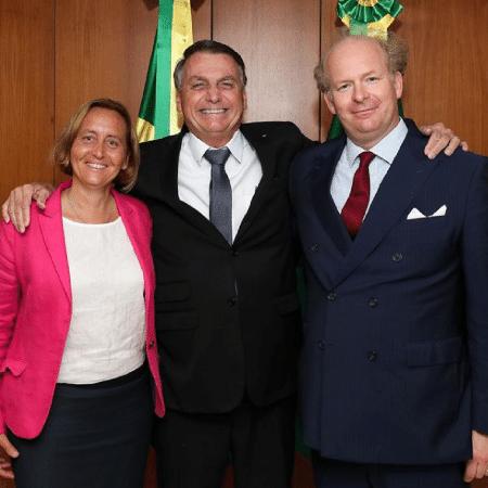26 jul. 2021 - Beatrix von Storch, do partido de extrema-direita AfD, da Alemanha, ao lado do presidente Jair Bolsonaro e do marido, Sven von Storch - Reprodução/Instagram