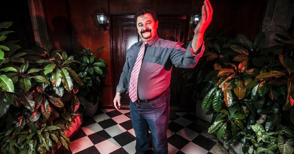 """""""Hugostosão"""" Garcia, porteiro de boates poliglota na Rua Augusta."""
