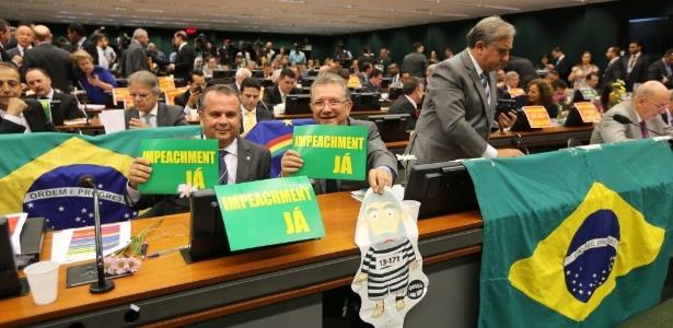 Oposição precisa de ao menos 342 votos a favor do impeachment na Câmara