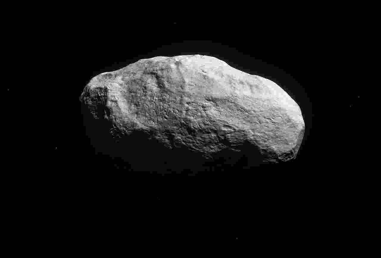 29.abr.2016 - COMETA DA ÉPOCA DA FORMAÇÃO DA TERRA - Astronautas descobriram um objeto rochoso único que parece ser feito de matéria do Sistema Solar, e que seria do período da formação da Terra. Se comprovada sua origem, esse antigo cometa sem cauda pode fornecer importantes pistas de como o Sistema Solar se formou. De acordo com os cientistas da ESO (Observatório Europeu do Sul), o objeto deve ter feito parte de um planeta rochoso, como a Terra, mas foi expelido para fora do sistema e ficou preservado por ter sido congelado durante milhares de anos na Nuvem de Oort. Essa nuvem rodeia o Sistema Solar, como uma bolha, e acreditam que há entre um e cem bilhões de cometas congelados na região - ESO/M. Kornmesser