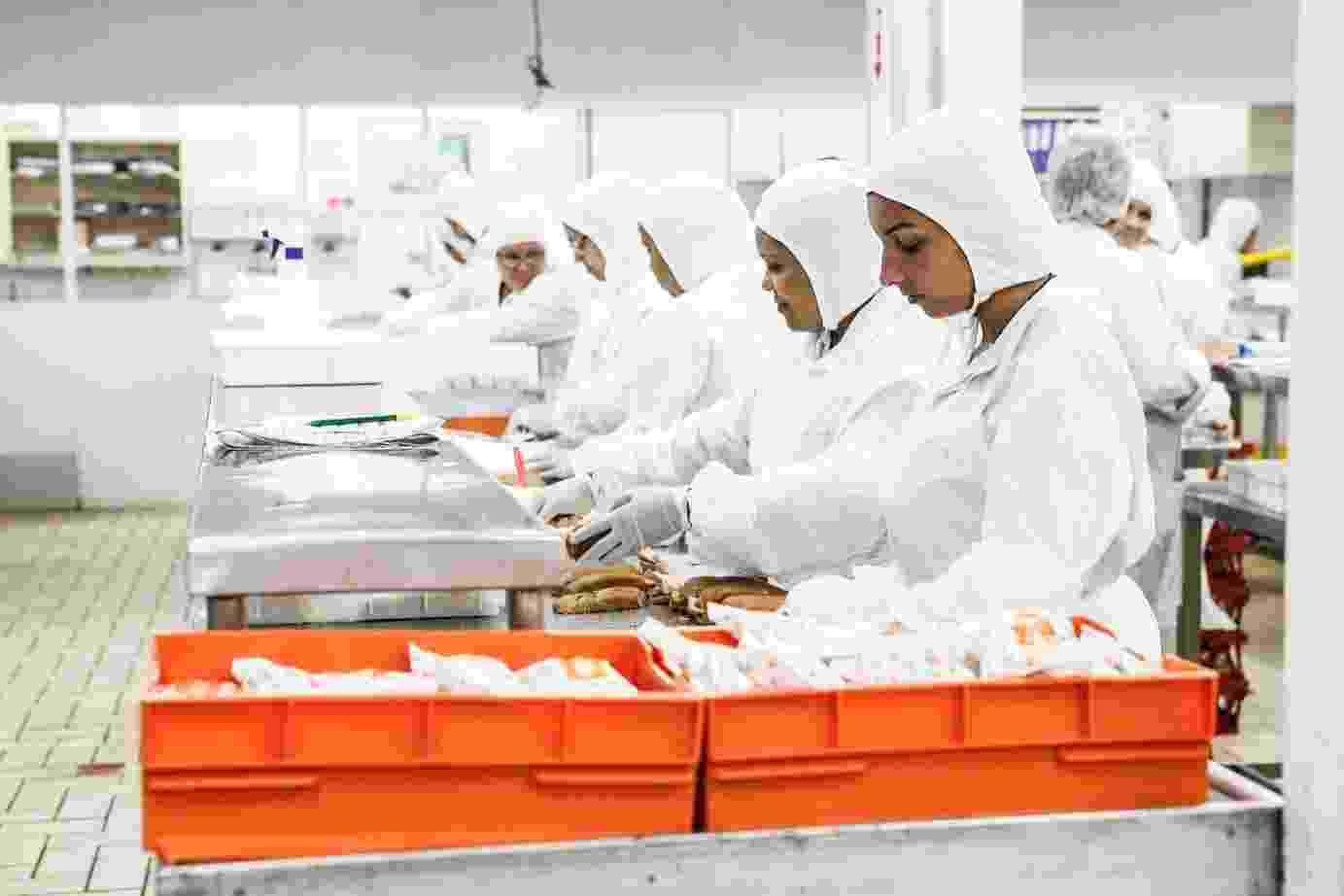 A cozinha do aeroporto de Congonhas prepara todos os dias cerca de 10 mil refeições para todos os voos que partem do aeroporto da capital paulista - Lucas Lima/UOL