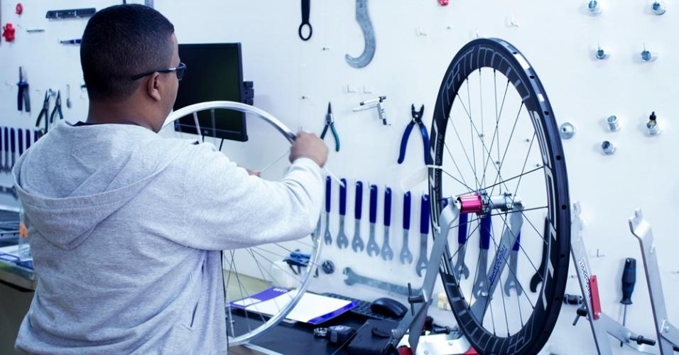 Aula sobre mecânica de rodas da Labici Workshop