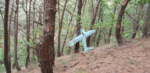 Exército sul-coreano acredita que o pequeno avião encontrado em montanha seja um drone norte-coreano