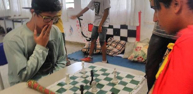 Professora misturou literatura com o jogo de xadrez; alunos aprovaram a iniciativa