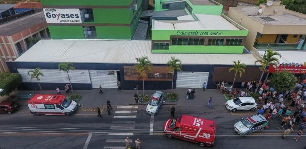 20.out.2017 - Dois estudantes foram mortos e outros quatro ficaram feridos em um atentado a tiros na escola particular em Goiânia
